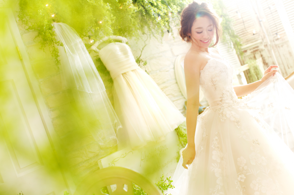 ウェディングドレス ガーデン